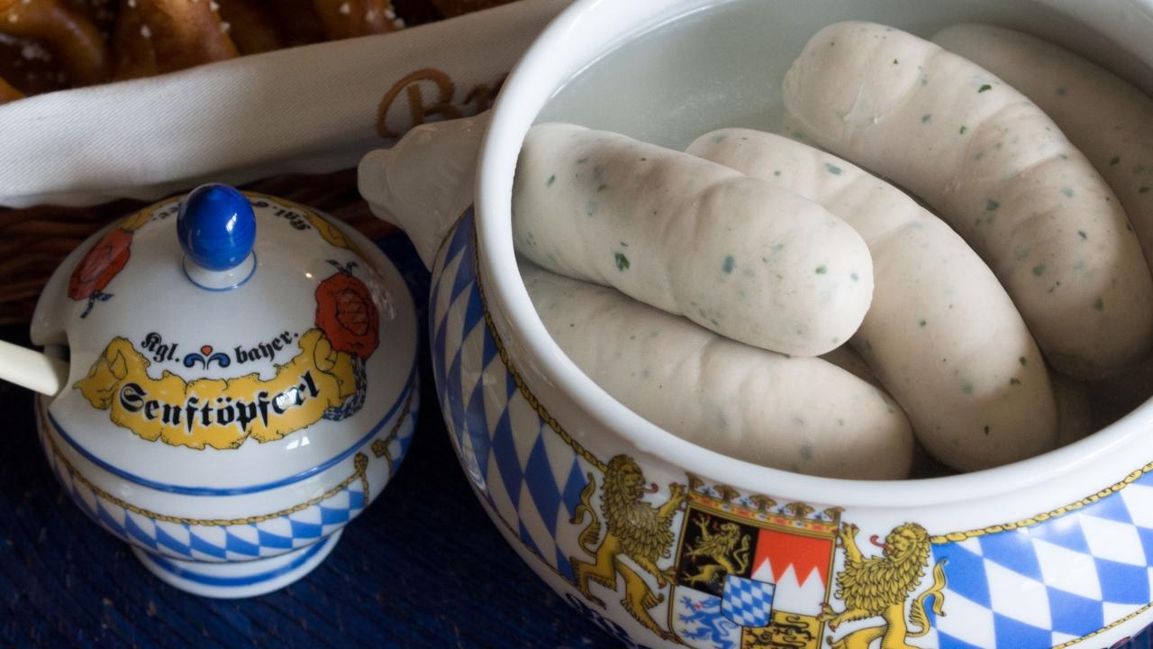 Kiełbaski Podduszane W Białym Winie Kuchnia Pana Dzidka