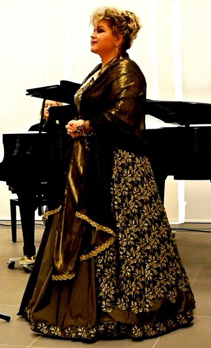Professeur Sylwia Burnicka-Kalischewska Les cours de chant en ligne ne remplaceront pas l'enseignement traditionnel … [POSŁUCHAJ, GALERIA] – Un peu de culture